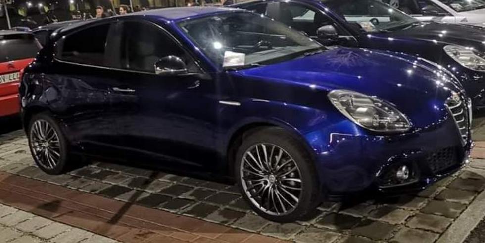 DRUENTO - Allarme sicurezza: rubata un'auto in pieno giorno in vicolo San Pancrazio