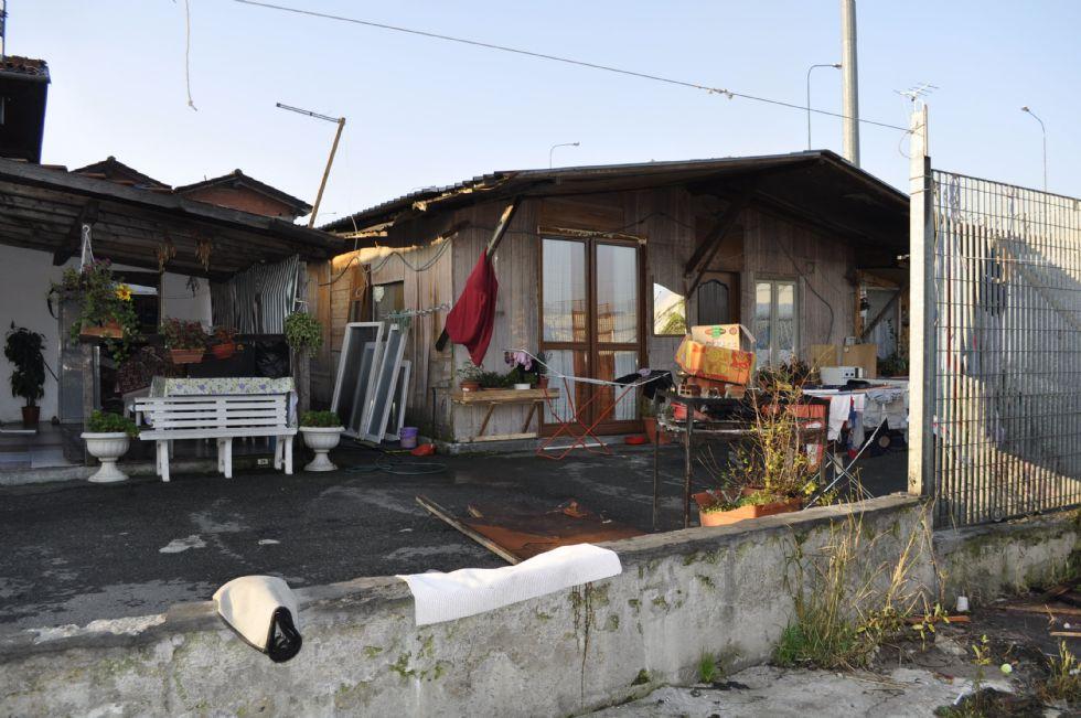 COLLEGNO - II superamento del campo nomadi di strada della Berlia finisce in Regione