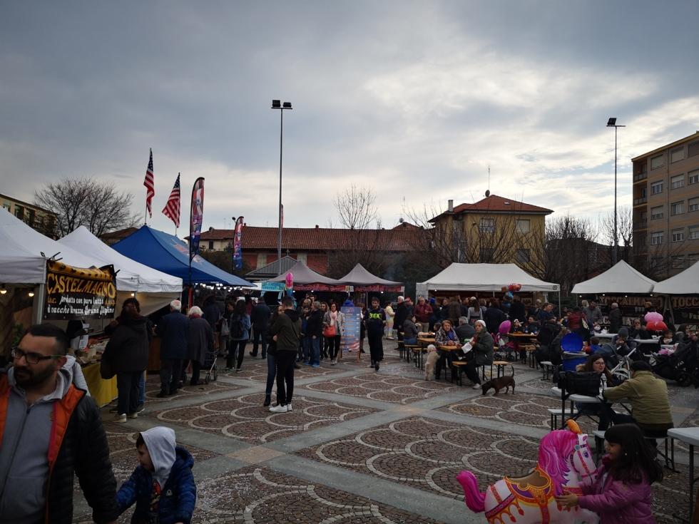 VENARIA - Lo Street Food della «Associazione italiana cuochi itineranti» torna in estate
