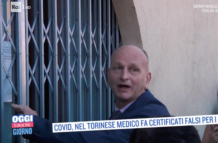 BORGARO - Caso Delicati, per la Procura i certificati «no vax» sono nulli. E intanto finisce su Rai1