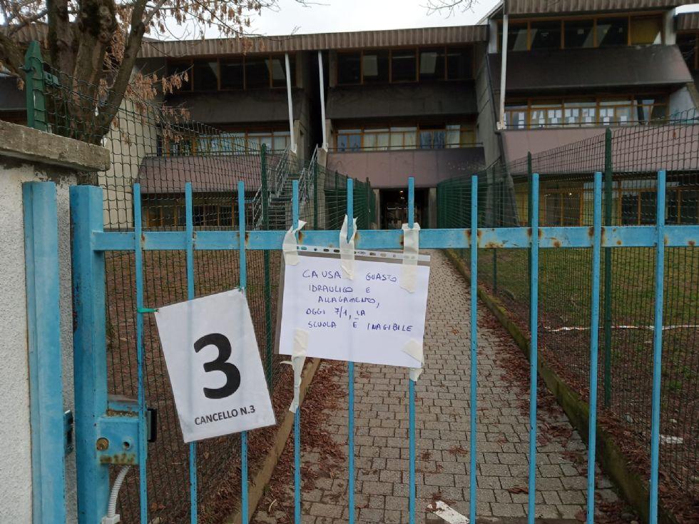 CASELLE - La scuola Rodari chiusa per allagamento: lezioni sospese