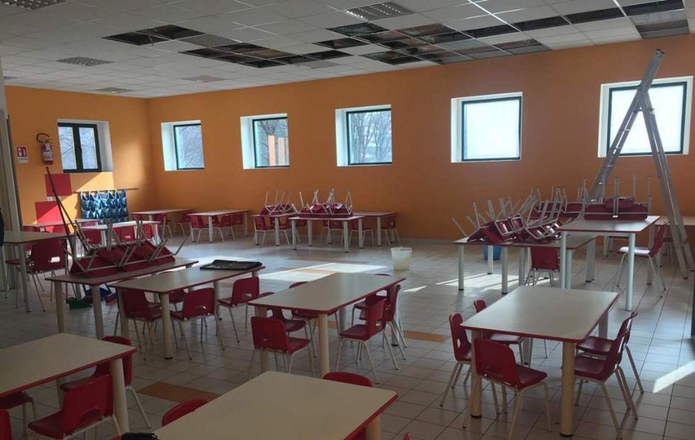 VENARIA - Infiltrazioni nel refettorio della scuola Boccaccio