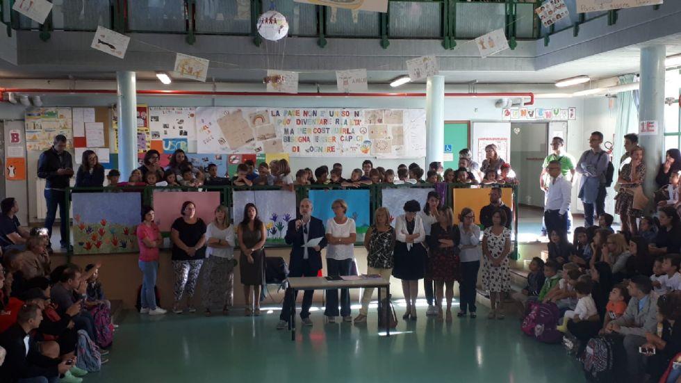 VENARIA - Inizia la scuola: «un anno da vivere come se fossimo una grande famiglia»